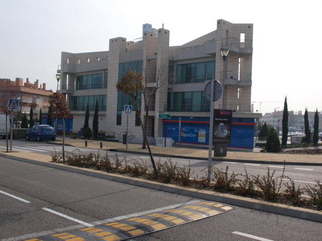 Proyecto arquitectonico edificio Bioclimatico 12
