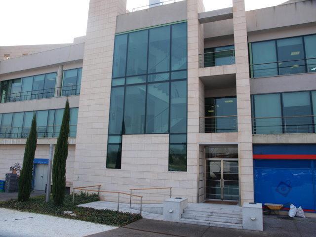 Proyecto arquitectonico edificio Bioclimatico 11