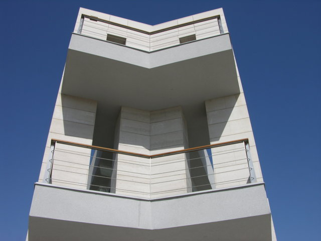 Proyecto arquitectonico edificio Bioclimatico 5