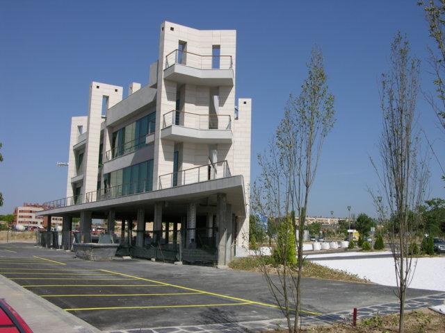 Proyecto arquitectonico edificio Bioclimatico 4